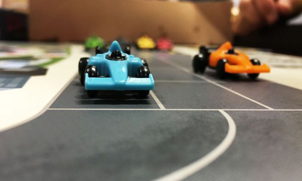 Spel - Downforce: racen met autootjes!